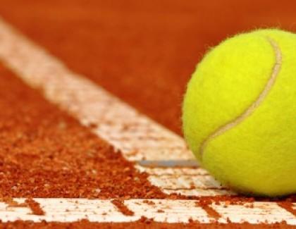 Szybka piłka: dlaczego warto grać w tenisa?