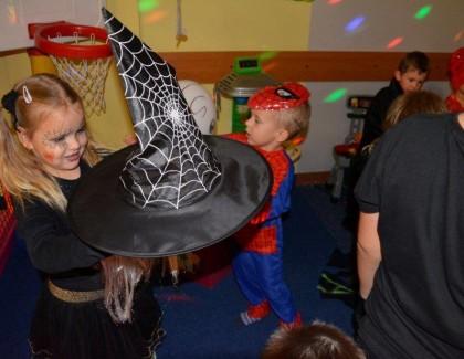 Oj działo się działo. Halloween w Regionalne Centrum Turystyki i Sportu w Karlinie.