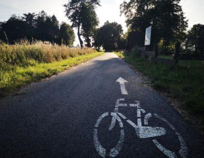 Na dzień dobry kilka migawek z naszej ścieżki rowerowej.